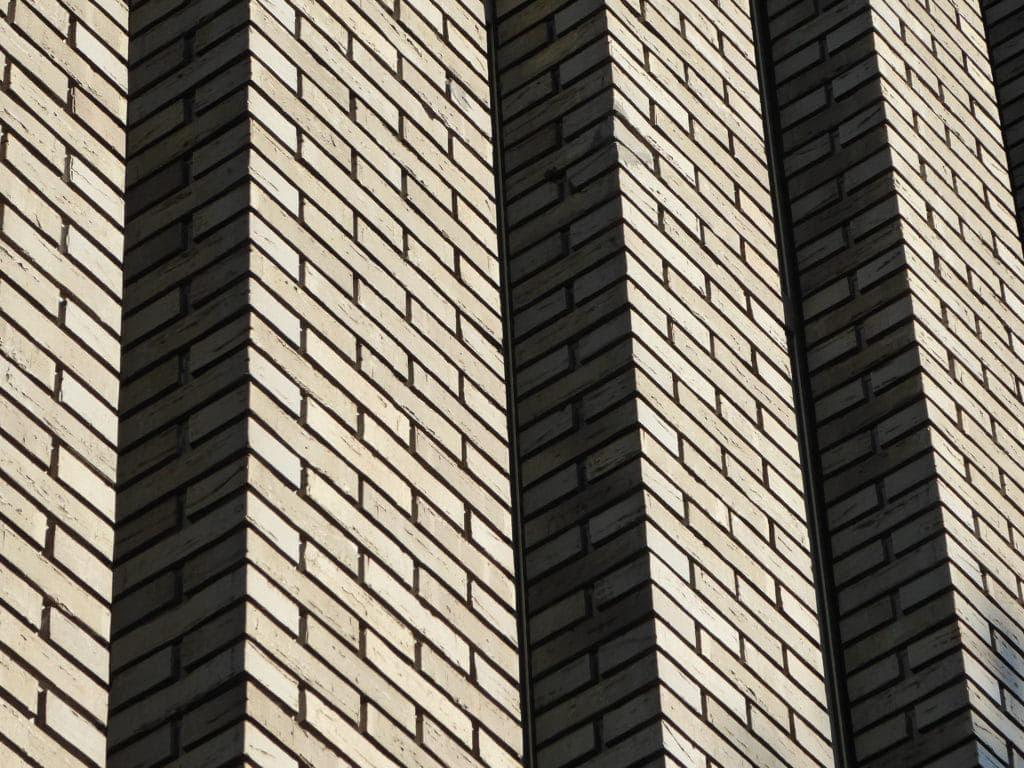 De Kameleon Karspeldreef Amsterdam prefab metselwerk kolommen