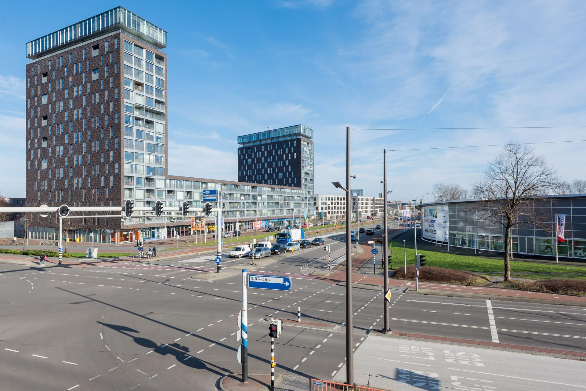Kop van Oost Groningen twee torens met appartementen