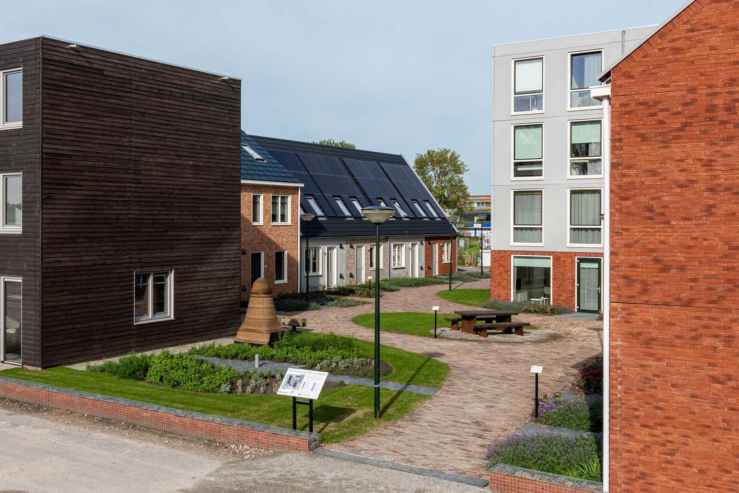 Vooraanzicht van het pleintje van de Loskade in Groningen