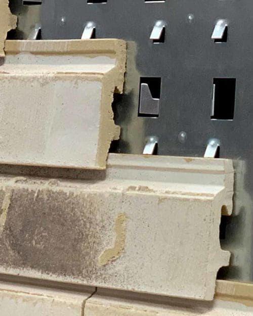 Voorbeeld van een achtergrond en de bevestiging van het gevelsysteem A-Brick