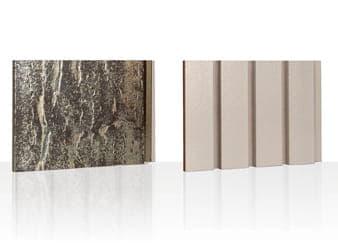 Twee tegels Argeton, een goudkleurige en een witte tegen een witte achtergrond