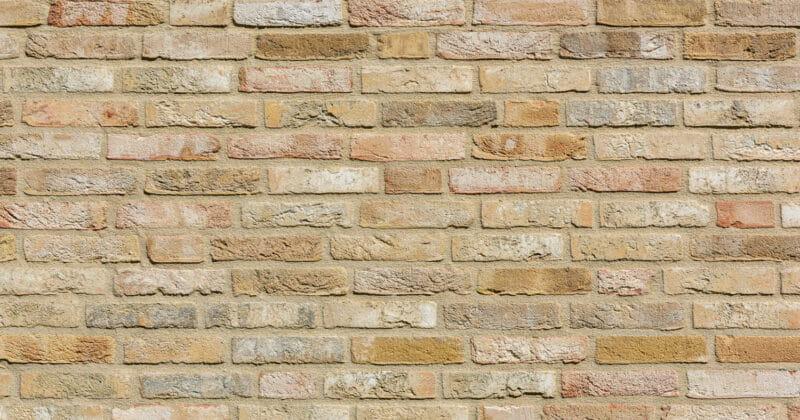 Strijp R detail van muur met lichte gevelsteen