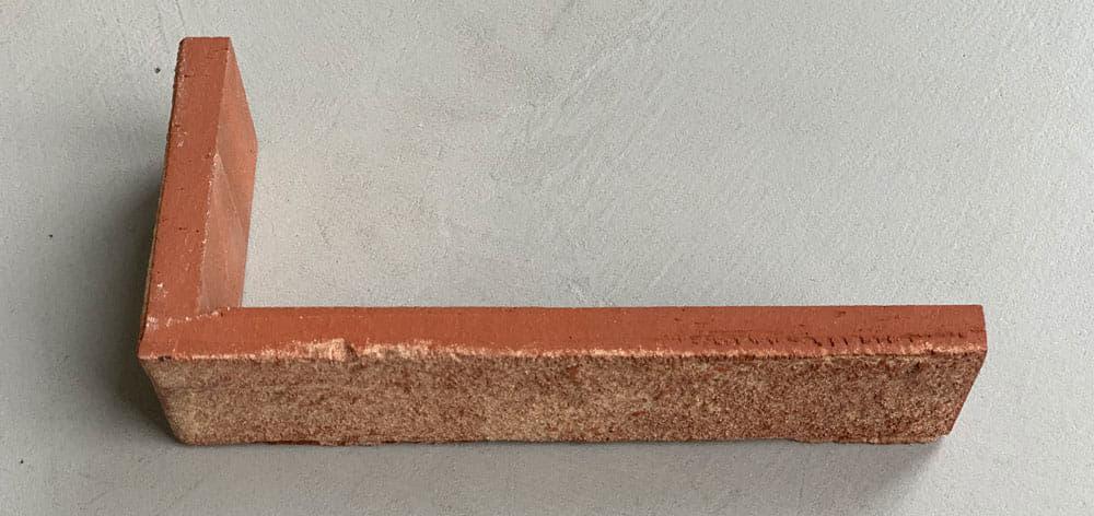 Hoeksteenstrip, te maken uit alle soorten steenstrip